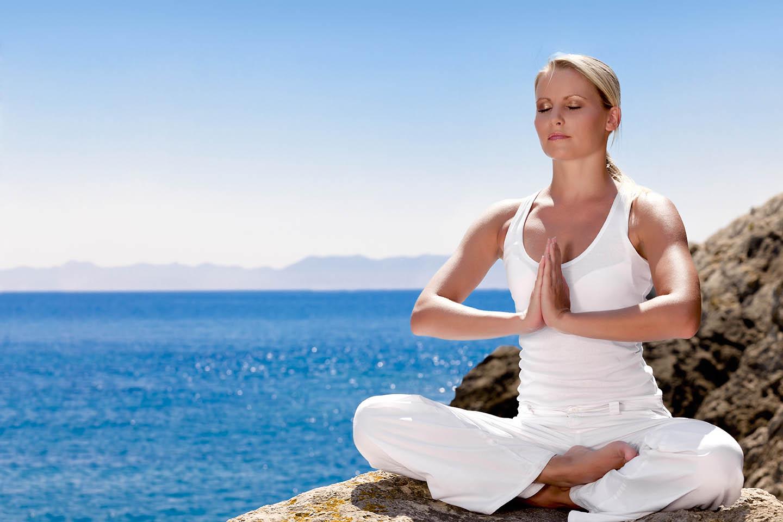 Entspannung und Yoga. Entstressung durch Tiefenentspannung erreichen.