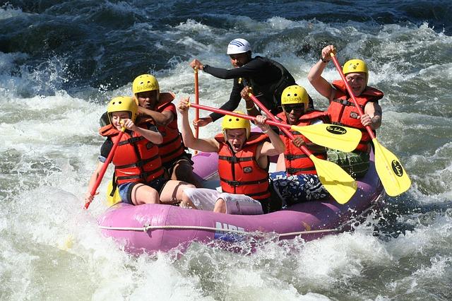 rafting-661716_640